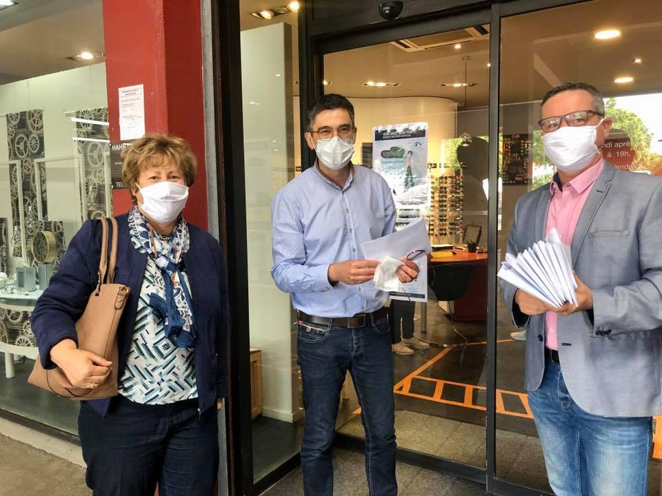 Distribution de masques aux commerçants